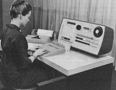 woman-computer-vintage.jpg